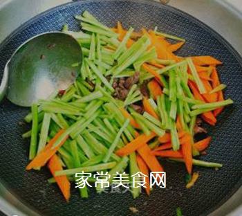 蛇瓜炒牛肉的做法步骤:6