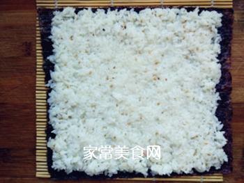 金枪鱼寿司的做法步骤:4