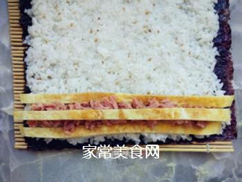 金枪鱼寿司的做法步骤:5