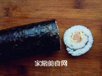 金枪鱼寿司的做法步骤:7