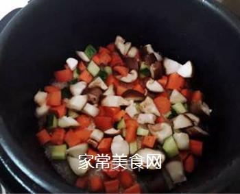 香菇排骨蒸饭的做法步骤:3