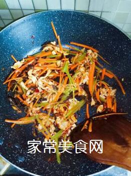 鱼香肉丝炒饭的做法步骤:4