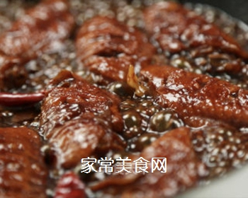 红烧鸡翅的做法步骤:7