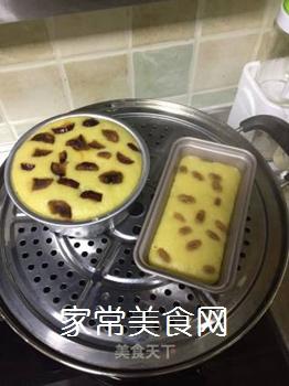 玉米面牛奶发糕的做法步骤:7