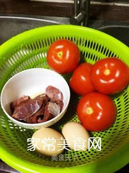 牛肉炒番茄的做法步骤:1