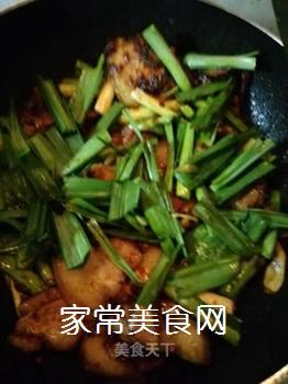 传统回锅肉的做法步骤:12