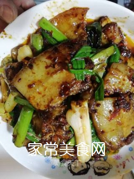 传统回锅肉的做法步骤:14