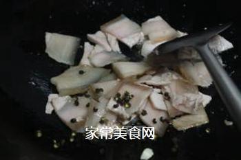 青椒回锅肉的做法步骤:4