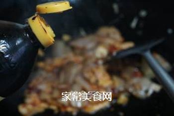 青椒回锅肉的做法步骤:8