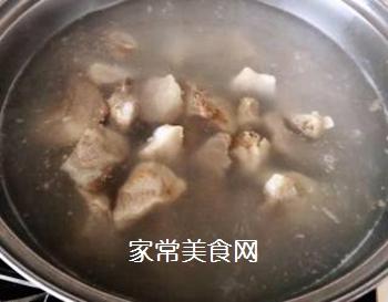 排骨蚬子时蔬面的做法步骤:3