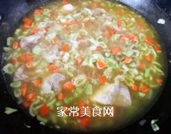 排骨蚬子时蔬面的做法步骤:9