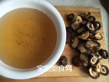 香菇烧排骨的做法步骤:3