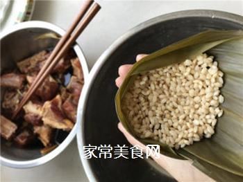 排骨蛋黄粽的做法步骤:6