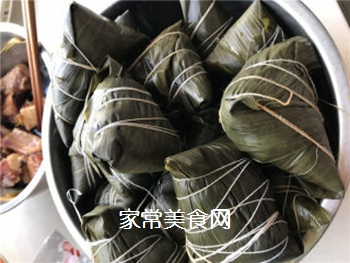 排骨蛋黄粽的做法步骤:8