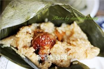 排骨蛋黄粽的做法