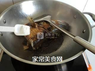 红烧鲈鱼头的做法步骤:5