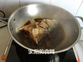 红烧鲈鱼头的做法步骤:7
