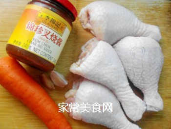 叉烧鸡腿卷的做法步骤:1