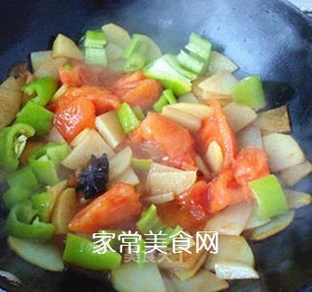 尖椒番茄土豆片的做法步骤:6