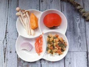 【宝宝辅食】三文鱼杂蔬意面的做法步骤:1