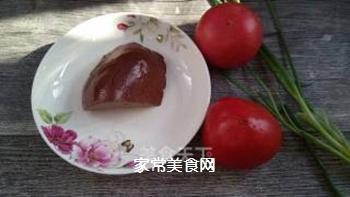番茄猪肝糯米粉浓汤的做法步骤:1
