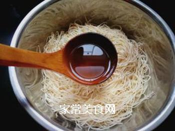 西红柿豆角卤面的做法步骤:2