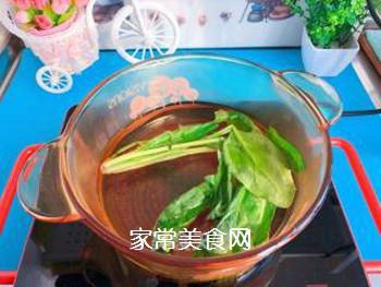 【宝宝辅食】藜麦蝴蝶面汤的做法步骤:3