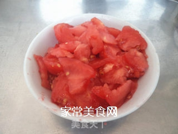 西红柿木耳菠菜面的做法步骤:1