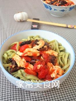 西红柿木耳菠菜面的做法