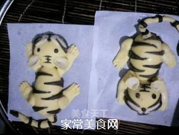两只老虎馒头的做法步骤:28