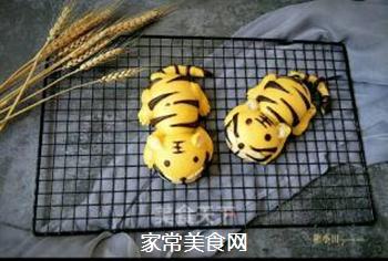 两只老虎馒头的做法步骤:31
