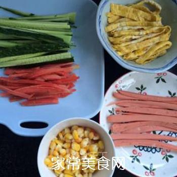 什锦紫菜包饭的做法步骤:3