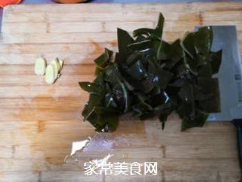 海带脊骨汤的做法步骤:3
