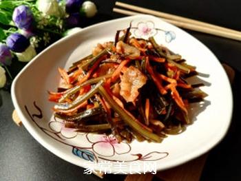五花肉胡萝卜炒海带的做法步骤:10