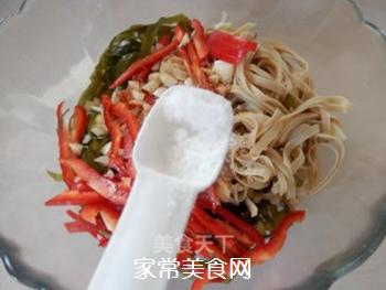 拌豆腐皮海带丝的做法步骤:9