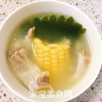 月牙骨玉米海带汤的做法步骤:6