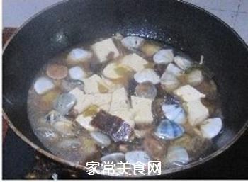 蛤蜊豆腐海带汤煲的做法步骤:7