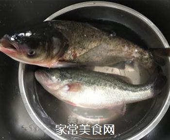 剁椒鱼头的做法步骤:2