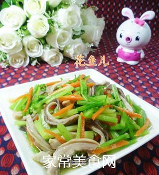 芹菜炒猪肚的做法