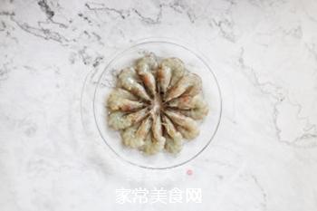 海盐烤海虾的做法步骤:1