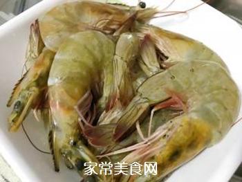 韭黄虾的做法步骤:1