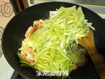 韭黄虾的做法步骤:11