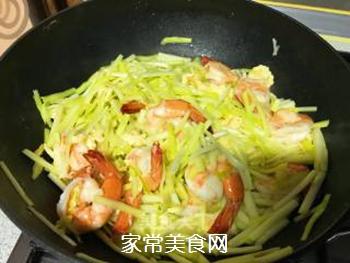 韭黄虾的做法步骤:12