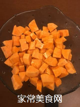 芝士�h虾红薯沙拉的做法步骤:1
