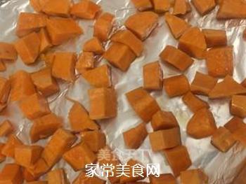 芝士�h虾红薯沙拉的做法步骤:2
