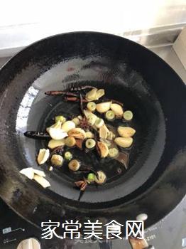 地锅鸡的做法步骤:2