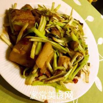 韭黄回锅肉的做法步骤:3