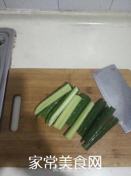 腌黄瓜的做法步骤:2