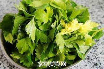 蒜香芹菜叶的做法步骤:1