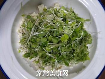 香椿苗拌豆腐的做法步骤:4